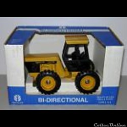 076 - Ertl JLE414 - 1/32 - New Holland NH Versatile 9030