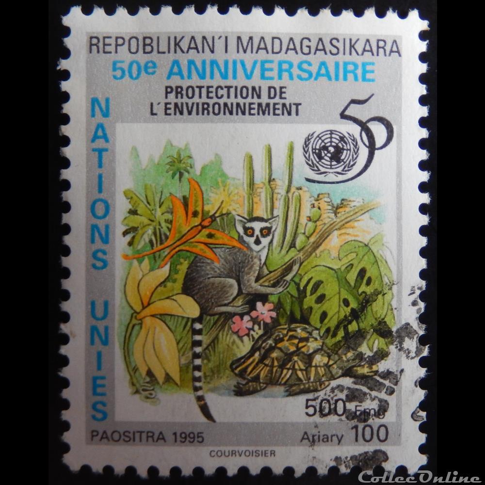 timbre afrique madagascar 01789 maki catta 500f de 1995