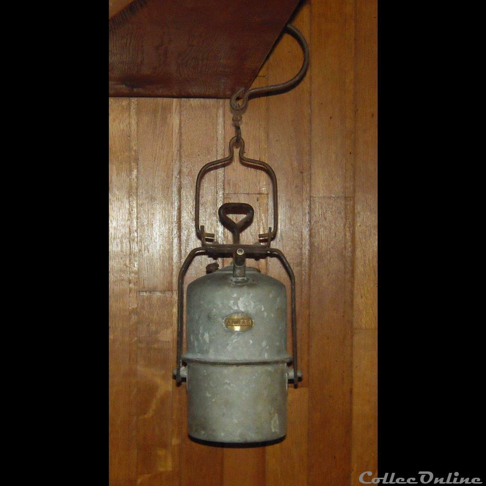 art antiquite luminaire exterieur lampe a carbure type egoutier 2