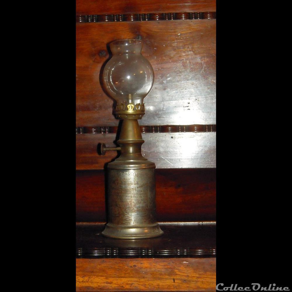 art antiquite luminaire lampe a petrole de maison