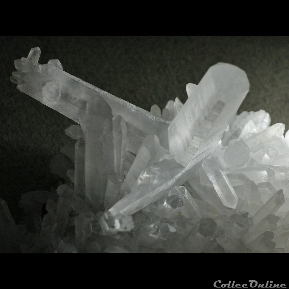 mineraux meteorite quartz macle exceptionnelle
