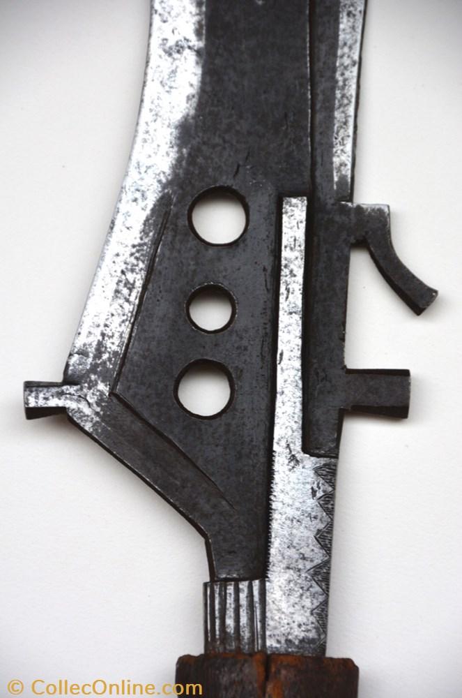 art antiquite africain arme mangbetu 005