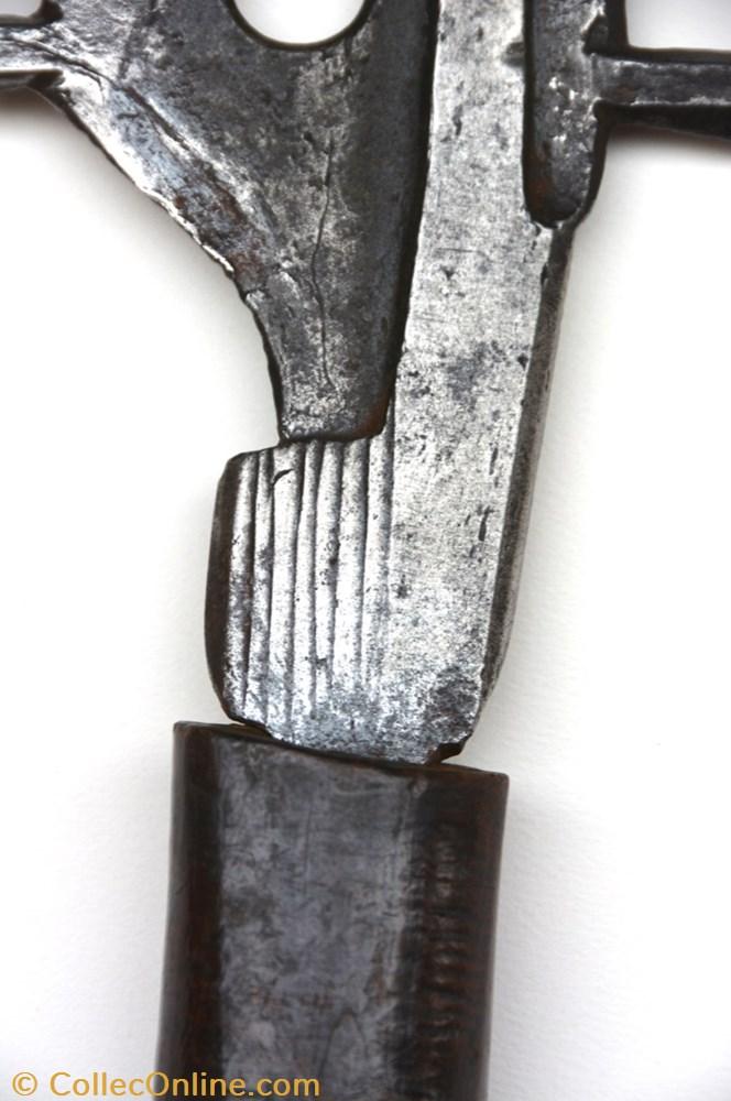 art antiquite africain arme mangbetu 001
