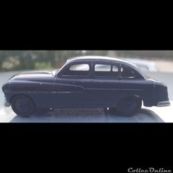 Ford Vedette 1954 bleu foncé