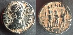 RIC.153 Honorius (AE3/4, Gloria Romanorv...