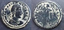 RIC.27c2 Magnus Maximus (AE2, Victoria A...