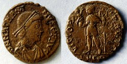 RIC.33 Magnus Maximus (AE2, Victoria Avg...