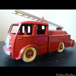 Fourgon incendie premiers secours