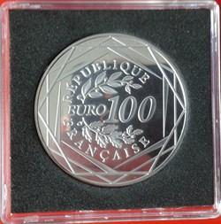 '100€ 2011