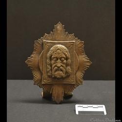 9 - Sculpture en cuivre de la Sainte-Fac...
