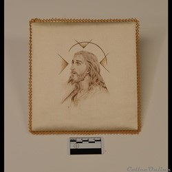 27 - Pale en soie (Jésus portant la croi...