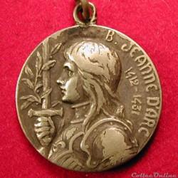 Pendentif médaille