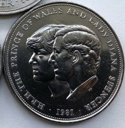 Elizabeth II - 25 New Pence 1981 Royal W...