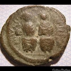 Justin II & Sophia - 565-578 AD. 1/2 Follis - Year X Cyzicus Mint