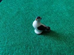 Petit oiseau de porcelaine