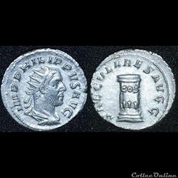 Antoninien Philippe 1er l'Arabe SAECVLARES AVGG/ COS/ III