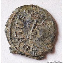 """Théodose II (402-450 A.D) Nummus """"à la C..."""