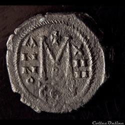 monnaie antique byzantine maurice tibere 582 602 emis a constantinople 595 596 follis sear 494 var mibec 67 d2