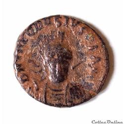 Théodose II Nummus avec Concordia émis à...