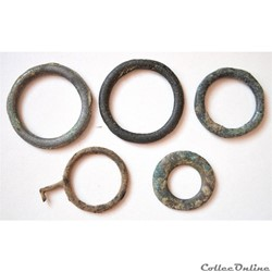 Anneaux de l'âge du bronze tardif et Gau...
