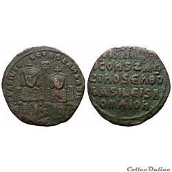 Basile 1er et Constantin VII (867 - 886) Follis Constantinople - Sear 1710 -