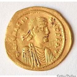 """Héraclius (610 - 641 AD) Semissis """"Croix..."""