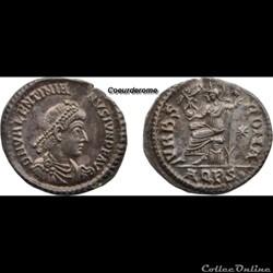 Silique Valentinien II