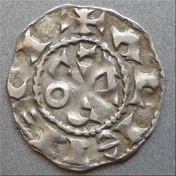 Au nom déformé de Raimond (XIème siècle). Denier