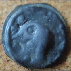 DT2656 Potin au cheval et aux deux têtes coupées