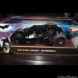 Batmobile Batman The Dark Knight Tumbler Hot Wheels 1/18eme