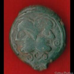 Suessions - Bronze à la tête janiforme