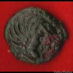 Carnutes - Bronze à l'aigle et à la roue...
