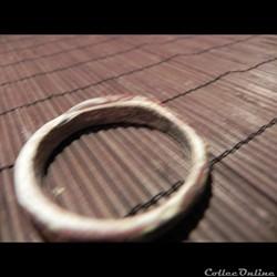 petit bracelet pâte de verre  blanc/jaun...
