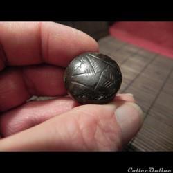 sceau semi hémisphérique Sumérien , cach...