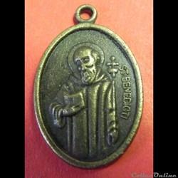 La médaille de Saint Benoît.  XXI s  (St BENEDICITI ?)