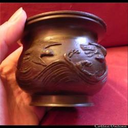 BRONZE  petit vase cratère