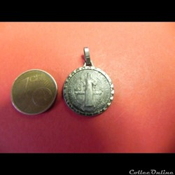 médaille de saint benoit