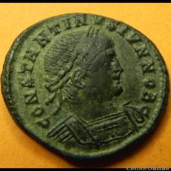 constantin II   GLORIA EXERCITVS CAESS  Constantinople     330/335