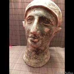 ex-voto tête casquée Etrusque