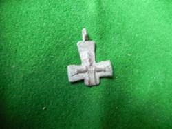 croix   provenant du champs de bataille ...