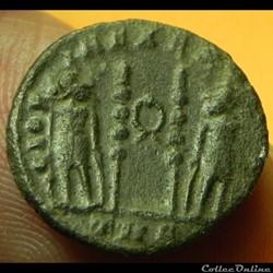CONSTANTIN  II  GLORIA EXERCITVS  couronne