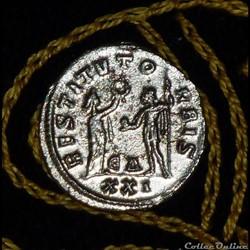 PROBUS - AE Antoninianus  de 4,20g et 21...