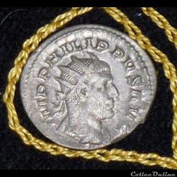 PHILIPPE I -AR Antoninianus  de 3,05g et...