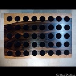 Médaillier en Ziricote 30 x 20 cm,  40 alvéoles de 25 mm