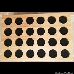 Médaillier en Bambou 30 x 20 cm,  24 alvéoles alvéoles de 35 mm