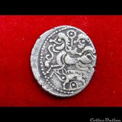 monnaie antique gauloise dt 2295 2296 var statere au nez retrousse pointe au sanglier