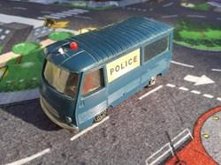 """Peugeot J7 """"Police"""""""