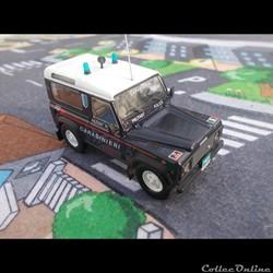 """Land Rover Defender 90 """"Carabinieri"""""""