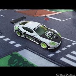 Aston Martin DBR9 Dog Fight