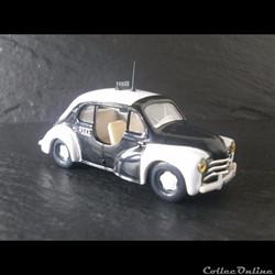 "Renault 4CV ""Police"""